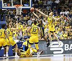 05.06.2019, Mercedes Benz Arena, Berlin, GER, ALBA BERLIN vs.  Oldenburg, <br /> im Bild Luke Sikma (ALBA Berlin #43), Johannes Thiemann (ALBA Berlin #32), Peyton Siva (ALBA Berlin #3), Tim Schneider (ALBA Berlin #10), Derrick Walton Jr. (ALBA Berlin #7),<br /> William Cummings (Baskets Oldenburg #3)<br /> <br />      <br /> Foto © nordphoto / Engler