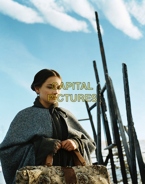 RACHAEL LEIGH COOK.in Into The West.*Editorial Use Only*.www.capitalpictures.com.sales@capitalpictures.com.Supplied by Capital Pictures.