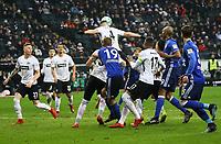 Ante Rebic (Eintracht Frankfurt) klaert - 16.12.2017: Eintracht Frankfurt vs. FC Schalke 04, Commerzbank Arena, 17. Spieltag Bundesliga