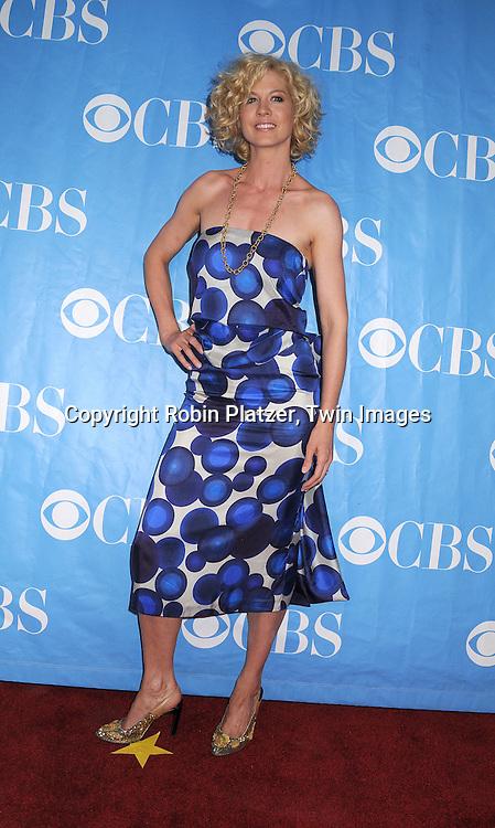 Jenna Elfman in Dries Van Notten dress