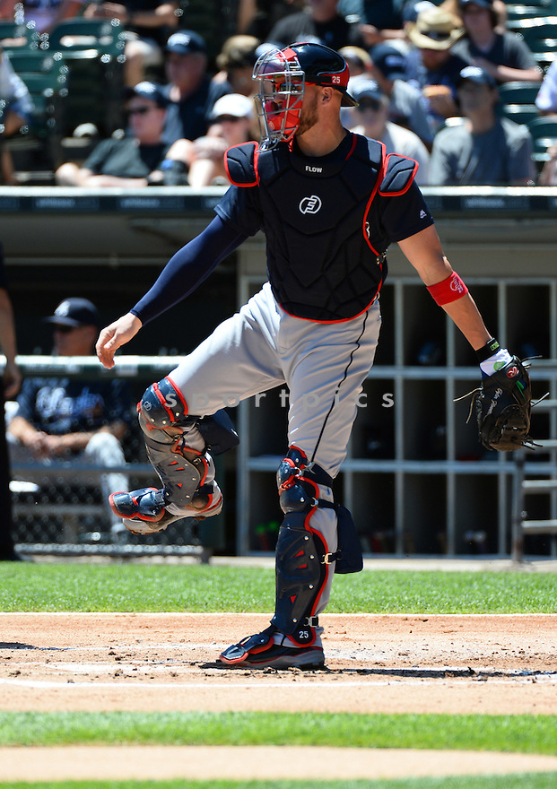 Atlanta Braves Tyler Flowers (25) during a game against the Chicago White Sox on July 9, 2016 at US Cellular Field in Chicago, IL. The White Sox beat the Braves 5-4.