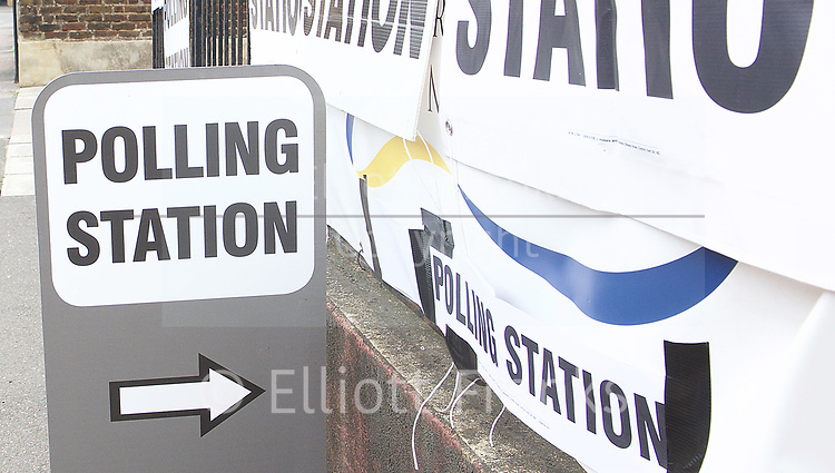 Polling Stations in Kingston Road, Wimbledon, London, Great Britain <br /> 8th June 2017 <br /> General Election 2017 <br /> <br /> <br /> <br /> Photograph by Elliott Franks <br /> Image licensed to Elliott Franks Photography Services