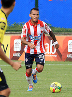 BUCARAMANGA -COLOMBIA-27-02-2014. Juan Guilermo Dominguez  (Der) del Atletico Junior en accion contra la Alianza Petrolera   partido por la octava  fecha de la Liga Postob—n 2014-1 realizado en el estadio Alvaro Gomez Hurtado./  Juan Guilermo Dominguez (R) of Atletico Junior in action against Alianza Petrolera  game for the eighth round of the League held in 2014-1 Postob—n Alvaro Gomez Hurtado Stadium.  Photo:VizzorImage / Duncan Bustamante / Stringer
