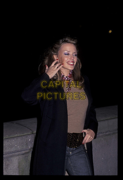 KYLIE MINOGUE.20001130.Ref:10228.half length, half-length.*RAW SCAN- photo will be adjusted for publication*.www.capitalpictures.com.sales@capitalpictures.com.©Capital Pictures
