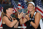 11.09.2011, Flushing Meadows, New York, USA, WTA Tour, US Open, Finale im Doppel der Damen, im Bild LIEZEL HUBER (USA), LISA RAYMOND (USA) HOLDING TROPHIES. // during WTA Tour US Open tennis tournament at Flushing Meadows, women dubles final, New York, USA on 11/09/2011. EXPA Pictures © 2011, PhotoCredit: EXPA/ Newspix/ Marek Janikowski +++++ ATTENTION - FOR AUSTRIA/(AUT), SLOVENIA/(SLO), SERBIA/(SRB), CROATIA/(CRO), SWISS/(SUI) and SWEDEN/(SWE) CLIENT ONLY +++++