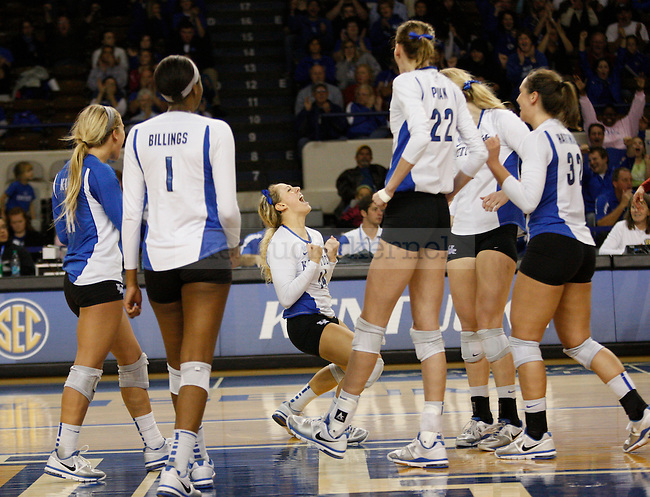 The UK Women's Volleyball team beat Arkansas in a 3-2 game on 11/20/11 in Lexington, Ky. Photo by Quianna Lige | Staff