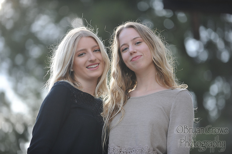Senior announcement images for Peyton Hartman and Khia