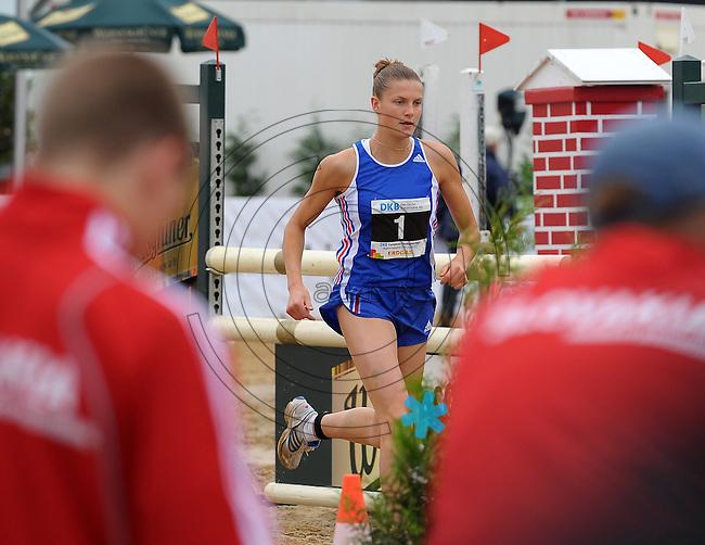 DKB EM Europameisterschaft Moderner Fünfkampf in Leipzig - Qualifikation - im Bild: die führende Amelie Caze (FRANCE / FRANKREICH) läuft. Foto: Norman Rembarz..