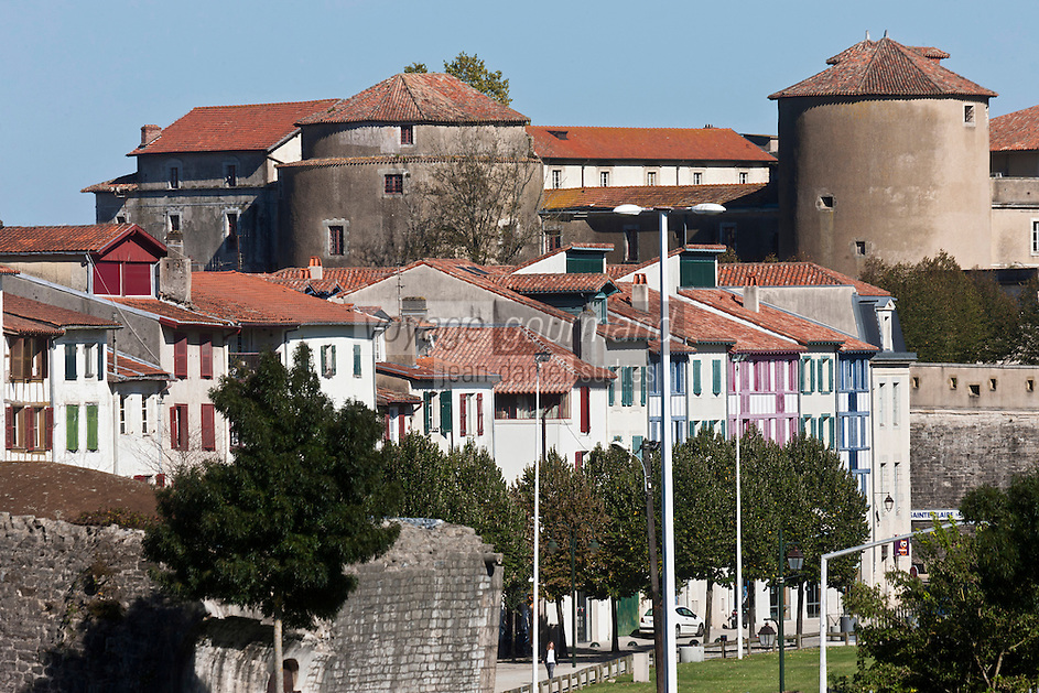 Europe/France/Aquitaine/64/Pyrénées-Atlantiques/Pays-Basque/Bayonne: Le Château-Neuf vu depuis les remparts