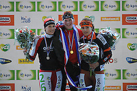 SCHAATSEN: UTRECHT: De Vechtsebanen, 26-12-2012, KPN NK Marathon, Topdivisie Dames, Podium, Carien Kleibeuker (#26), Rixt Meijer (#97), Lisanne Soemanta (#18), ©foto Martin de Jong