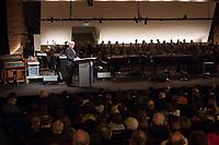 Bundespraesident Frank-Walter Steinmeier (im Bild) hat am Mittwochabend (16.01.2019) die bundesweiten Feierlichkeiten zum Bauhaus-Jubilaeum 2019 eroeffnet.<br /> Bei der Auftaktveranstaltung unter dem Motto &quot;100 jahre bauhaus&quot; in der Akademie der Kuenste in Berlin, wuerdigte Steinmeier das Bauhaus als eine der &quot;bedeutendsten und weltweit wirkungsvollsten kulturellen Hervorbringungen unseres Landes&quot;. Die Feierlichkeiten zum Bauhaus-Jubilaeum 2019 stehen unter dem Titel &quot;Die Welt neu denken&quot;. Dazu sind in den kommenden Monaten rund 700 Veranstaltungen in elf Bundeslaendern geplant. Im Fokus stehen unter anderem die zentralen Wirkungsstaetten in Weimar, Dessau und Berlin.<br /> 16.1.2019, Berlin<br /> Copyright: Christian-Ditsch.de<br /> [Inhaltsveraendernde Manipulation des Fotos nur nach ausdruecklicher Genehmigung des Fotografen. Vereinbarungen ueber Abtretung von Persoenlichkeitsrechten/Model Release der abgebildeten Person/Personen liegen nicht vor. NO MODEL RELEASE! Nur fuer Redaktionelle Zwecke. Don't publish without copyright Christian-Ditsch.de, Veroeffentlichung nur mit Fotografennennung, sowie gegen Honorar, MwSt. und Beleg. Konto: I N G - D i B a, IBAN DE58500105175400192269, BIC INGDDEFFXXX, Kontakt: post@christian-ditsch.de<br /> Bei der Bearbeitung der Dateiinformationen darf die Urheberkennzeichnung in den EXIF- und  IPTC-Daten nicht entfernt werden, diese sind in digitalen Medien nach &sect;95c UrhG rechtlich geschuetzt. Der Urhebervermerk wird gemaess &sect;13 UrhG verlangt.]