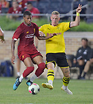 Football: Test Match, Liverpool FC - Borussia Dortmund. Liverpool forward Rhian Brewster (24, left) and Borussia Dortmund forward Marius Wolf (27) vie for the ball in their exhibition match on July 19, 2019 at Notre Dame Stadium. <br /> Tim Vizer/DPA