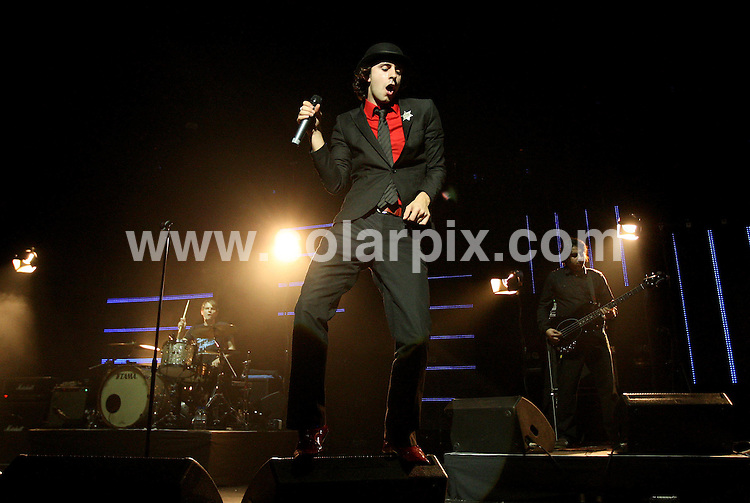 **ALL ROUND PICTURES FROM SOLARPIX.COM**.**WORLDWIDE SYNDICATION RIGHTS**.Maximo Park perform at Brixton Academy, London. Friday 12th October 2007..JOB REF: 5044 SSD     DATE: 12_10_2007.**MUST CREDIT SOLARPIX.COM OR DOUBLE FEE WILL BE CHARGED* *UNDER NO CIRCUMSTANCES IS THIS IMAGE TO BE REPRODUCED FOR ANY ONLINE EDITION WITHOUT PRIOR PERMISSION*
