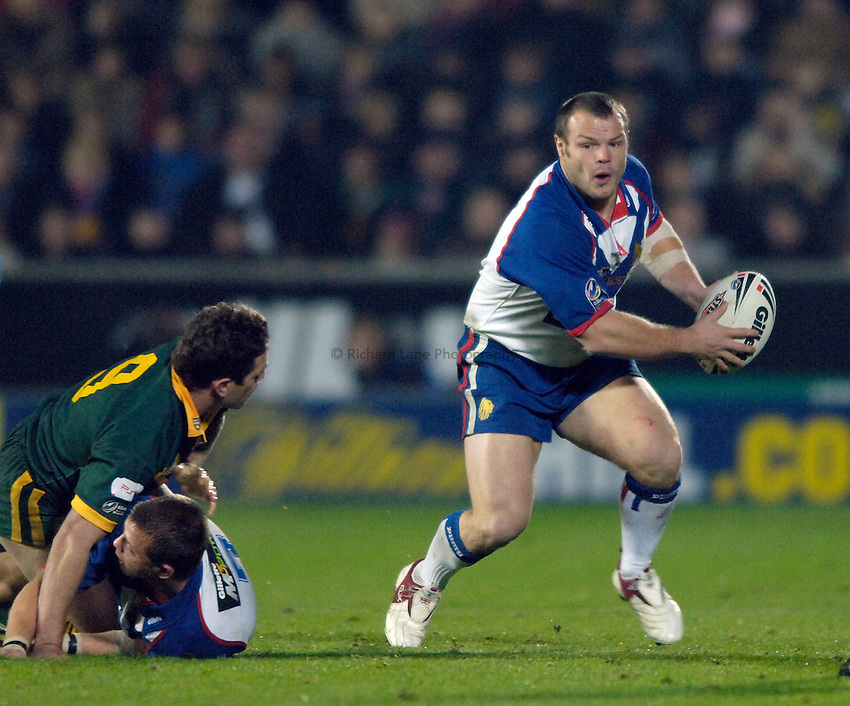 Photo: Jed Wee..Great Britain v Australia. Gillette Tri-Nations..19/11/2005..Great Britain's Keiron Cunningham (R).