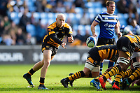 Joe Simpson of Wasps passes the ball. Heineken Champions Cup match, between Wasps and Bath Rugby on October 20, 2018 at the Ricoh Arena in Coventry, England. Photo by: Patrick Khachfe / Onside Images