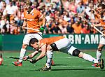 BLOEMENDAAL   - Hockey -  2e wedstrijd halve finale Play Offs heren. Bloemendaal-Amsterdam (2-2) . A'dam wint shoot outs. Tim Swaen (Bldaal)   COPYRIGHT KOEN SUYK