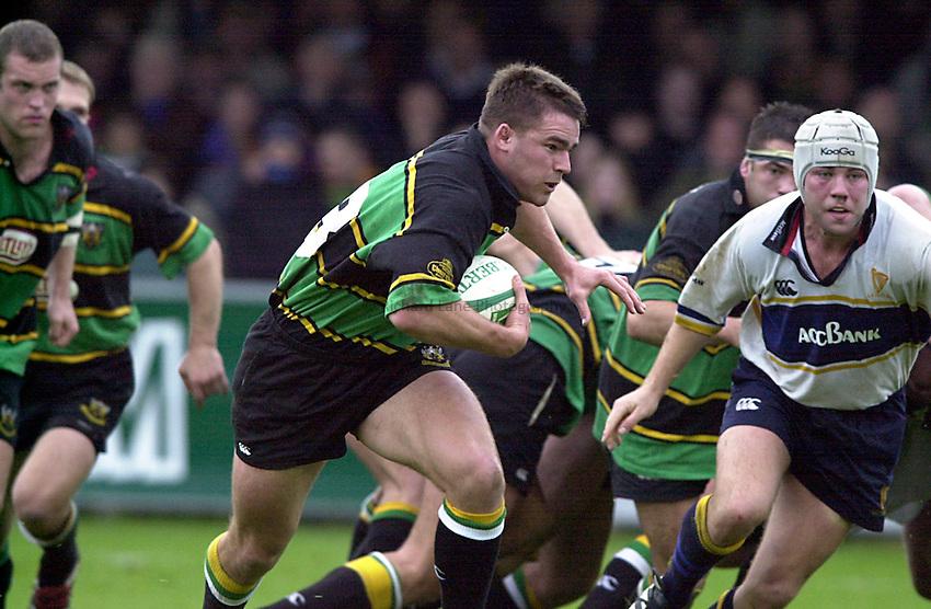Photo. Richard Lane. .Northampton v Leinster. Heineken Cup. 21/10/2000..Grant Seely breaks.