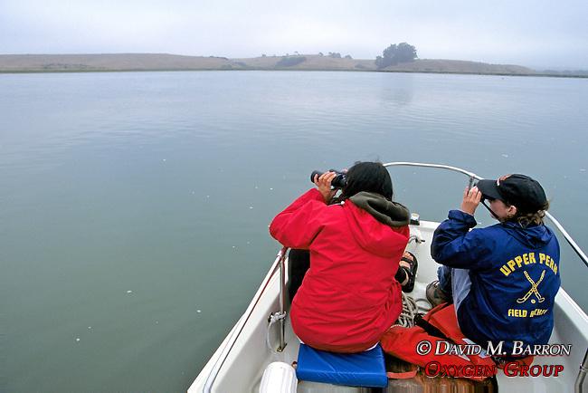 Daniela & Earthwatcher Observing Sea Otters