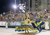 SANTOS, SP, 29.01.2016 - CARNAVAL-SANTOS - Integrantes da escola de samba Mocidade Dependende do Samba, durante desfile do Carnaval de Santos 2016 na Passarela do Samba Dráusio da Cruz, na zona noroeste em Santos/SP, nesta sexta-feira, 29. (Foto: Flavio Hopp / Brazil Photo Press)
