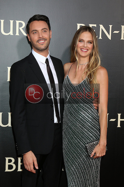 Jack Huston, Shannan Click<br /> at the &quot;Ben-Hur&quot; Premiere, TCL Chinese Theater IMAX. Hollywood, CA 08-16-16<br /> David Edwards/DailyCeleb.com 818-249-4998