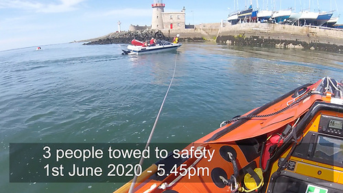 Speed boat towed to safety by Howth RNLI