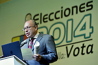 BOGOTÁ -COLOMBIA. 25-05-2014. Carlos Ariel Sánchez, Registrador Nacional de Colombia, se dirige a los medios par dar a concer un boletín de resultados tras teminar la jornada de elecciones Presidenciales en en Colombia que se realiza hoyn 25 de mayo de 2014 en todo el país./ Carlos Ariel Sanchez, National Register of Colombia speaks to the media to publicize a bulletin results after the day of Presidential elections in Colombia that made today May 25, 2014 across the country. Photo: VizzorImage/ Gabriel Aponte / Staff