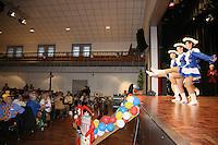 Gro&szlig;-Gerau 31.01.2016: Seniorensitzung und n&auml;rrischer Kreppelkaffee, Stadthalle Gro&szlig;-Gerau<br /> Garde der Teutonia Wallerst&auml;dten tritt auf<br /> Foto: Vollformat/Marc Sch&uuml;ler, Sch&auml;fergasse 5, 65428 R&uuml;sselsheim, Fon 0151/11654988, Bankverbindung Kreissparkasse Gross Gerau BLZ. 50852553 , KTO. 16003352. Alle Honorare zzgl. 7% MwSt.