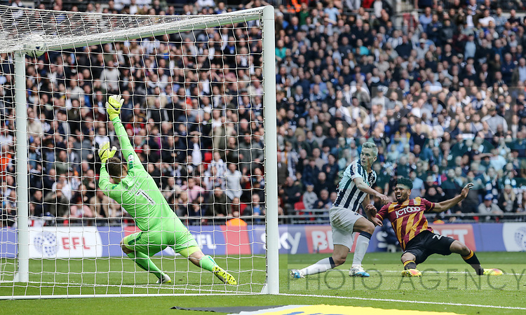 Millwall's Steve Morison scoring his sides opening goal during the League One Play-Off Final match at Wembley Stadium, London. Picture date: May 20th, 2017. Pic credit should read: David Klein/Sportimage