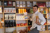 Europe/France/Rhône-Alpes/73/Savoie/Chambéry: Restaurant:  L'épicerie d'Alexandre Ongaro,  Restaurant: Côté Marché [Non destiné à un usage publicitaire - Not intended for an advertising use]