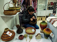 BOGOTÁ -COLOMBIA. 15-12-2017: Expoartesanías 2017 es la principal feria artesanal de América Latina, feria en asocio entre  Artesanías de Colombia y Corferias, con el objetivo de promover la conservación de los oficios tradicionales con altos estándares de calidad en los productos artesanales para dinamizar y fortalecer el sector artesanal. / Expoartesanías 2017 is the main handicraft fair in Latin America, a trade show in partnership between Artesanias de Colombia and Corferias, its objective is to promote the conservation of traditional crafts with high quality standards in handicraft products to boost and strengthen the craft sector. Photo: VizzorImage/ Gabriel Aponte / Staff
