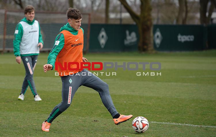 26.03.2015, Trainingsgelaende, Bremen, GER, 1.FBL, Training Werder Bremen, im Bild Maximilian Eggestein (Bremen #35)<br /> <br /> Foto &copy; nordphoto / Frisch
