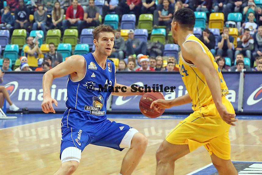 Aaron Doornekamp (Skyliners) gegen Trent Lockett (Braunschweig) - Fraport Skyliners vs. Loewen Braunschweig, Fraport Arena Frankfurt