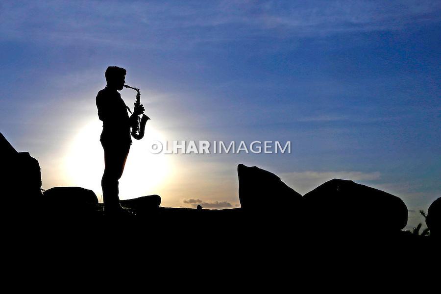 Saxofonista no Lajedo do Marinho. Boqueirao. Paraiba. 2015. Foto de Kleide Teixeira.