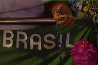 APARECIDA, SP, 12.10.2013 - DIA DE NOSSA SENHORA APARECIDA - Milhares de fiéis vão ao Santuário de Nossa Senhora Aparecida na manhã deste sabado (12), para acompanhar as celebrações do Dia da Padroeira do Brasil. (Foto: Amauri Nehn / Brazil Photo Press).