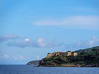 Blick auf Forte Forcado, Porto Azzurro, Elba, Region Toskana, Provinz Livorno, Italien, Europa<br /> Forte Forcado near Porto Azzurro, Elba, Region Tuscany, Province Livorno, Italy, Europe
