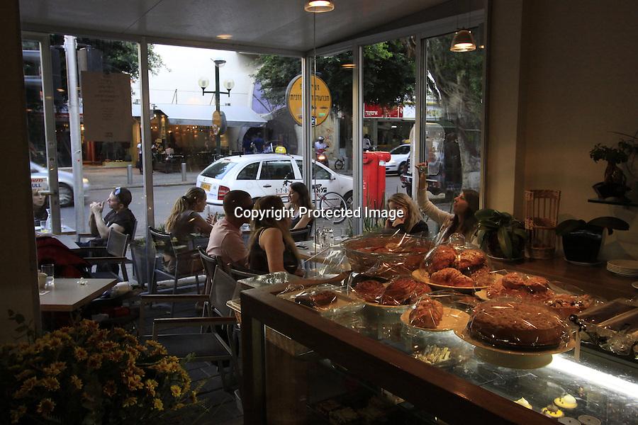 Israel, Tel Aviv-Yafo, Idelson 10 cafe' on Dizengoff St.
