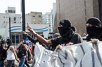 SAO PAULO, SP 07 DE SETEMBRO DE 2013 - PROTESTO 7 DE SETEMBRO - Manifestantes do Black Block ocupam a Avenida Paulista, na tarde deste sabado, 07, regiao central da capital. FOTO: ALEXANDRE MOREIRA / BRAZIL PHOTO PRESS