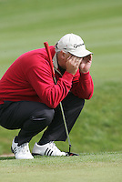 Smurfit Kappa European Open..Wales Stephen Dodd eyeing up his ball for a birdy putt on the 17during the final round of the European Open in the K Club..Photo: Fran Caffrey/ Newsfile.