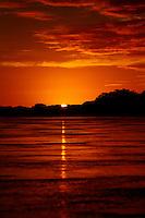 Belmonte_BA, Brasil.<br /> <br /> Por do sol no Rio Jequitinhonha em Belmonte, Bahia.<br /> <br /> Foto: LEO DRUMOND / NITRO