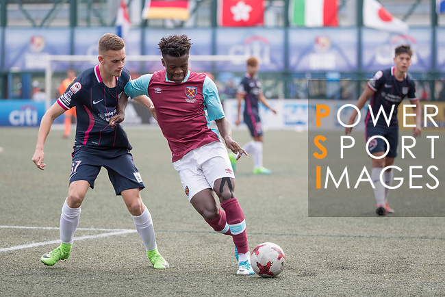 West Ham United (in purple) vs Kitchee (in navy blue), during their Main Tournament match, part of the HKFC Citi Soccer Sevens 2017 on 27 May 2017 at the Hong Kong Football Club, Hong Kong, China. Photo by Chris Wong / Power Sport Images