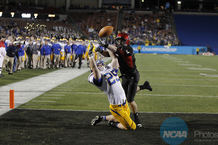 07 JAN 2011:  Eastern Washington Eagles cornerback Jeff Minnerly (7) breaks up a pass in the end zone intended for Delaware Fightin Blue Hens running back Fritz Stueber (29) in the second quarter during the Division I Football Championship held at Pizza Hut Park in Frisco, TX.  Eastern Washington defeated Delaware 20-19 for the national title. Brandon Wade/NCAA Photos