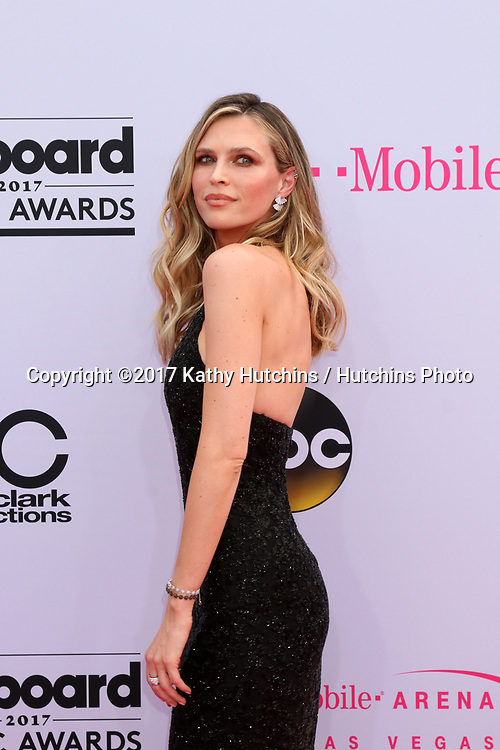 LAS VEGAS - MAY 21:  Sara Foster at the 2017 Billboard Music Awards - Arrivals at the T-Mobile Arena on May 21, 2017 in Las Vegas, NV