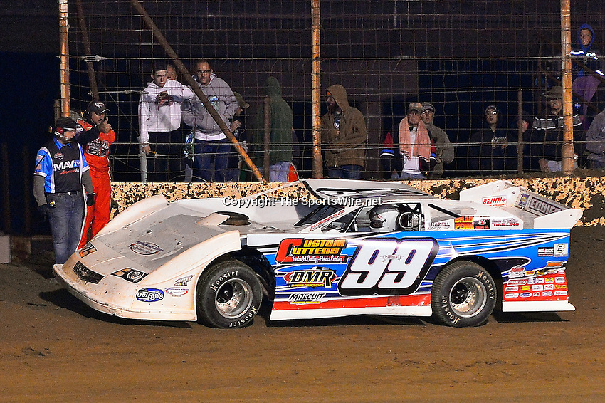 Oct 18, 2013; 9:16:37 PM; Portsmouth, OH ., USA; The 33rd Annual RED BUCK Dirt Track World Championship Presented by Borrowed Blue at Portsmouth Raceway Park, a $50,000-to-win event on the Lucas Oil Late Model Dirt Series.  Mandatory Credit: (thesportswire.net)