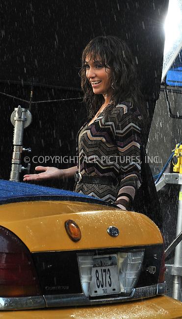 WWW.ACEPIXS.COM . . . . .  ....July 18 2009, New York City....Actress Jennifer Lopez on the set of the new movie 'The Back-up plan' in Manhattan on July 18 2009 in New York City....Please byline: AJ Sokalner - ACEPIXS.COM..... *** ***..Ace Pictures, Inc:  ..tel: (212) 243 8787..e-mail: info@acepixs.com..web: http://www.acepixs.com