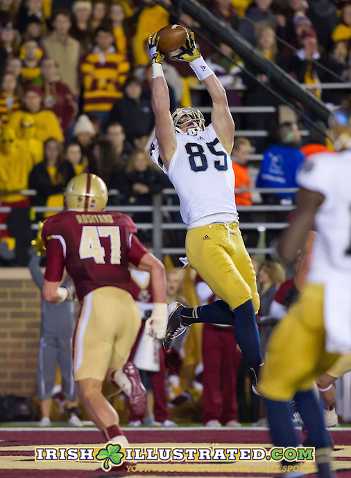 Tight end Troy Niklas (85) pulls down a touchdown pass in the second quarter against BC at Alumni Stadium.