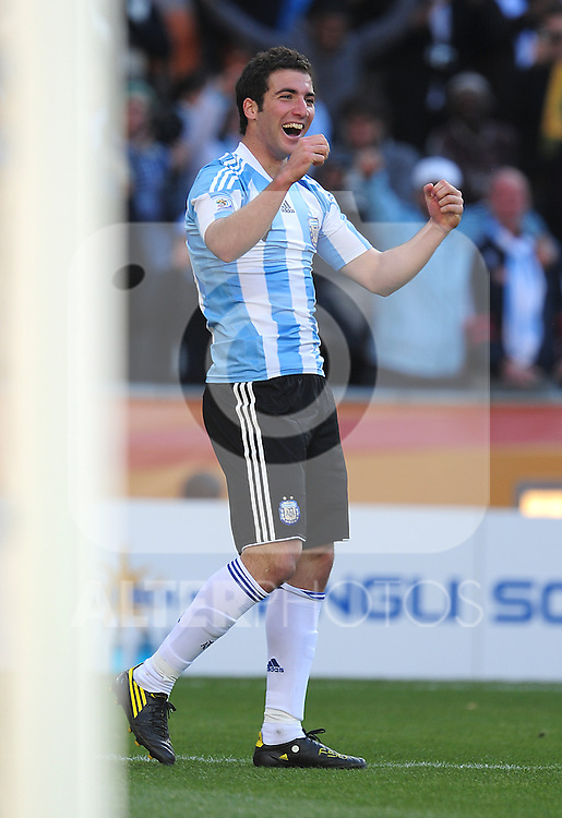 9 Gonzalo HIGUAIN celebrate his goal during the 2010 World Cup Soccer match between Argentina vs Korea Republic played at Soccer City in Johannesburg, South Africa on 17 June 2010.