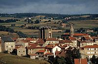 Europe/France/Auvergne/43/Haute-Loire/Saugues: Le village