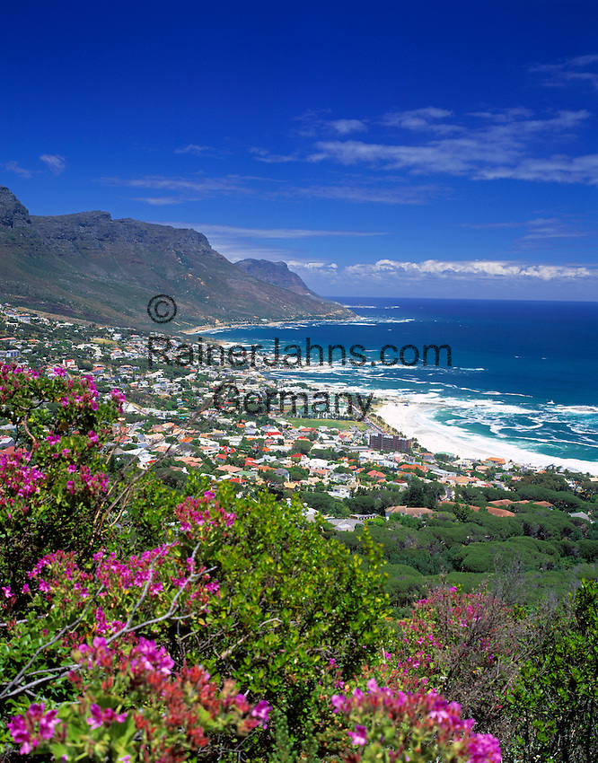 """South Africa, Cape Town, view from Lion's Head Trail at Camps Bay and """"12 Apostle"""" Mountains"""