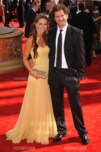 Jennifer Love Hewitt at the 61st Primetime Emmy Awards at the Nokia Theatre L.A. Live..September 20, 2009  Los Angeles, CA.Picture: Paul Smith / Featureflash