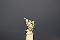 A murble statue of Saint Angel Bridge. Una statua di Ponte San'Angelo.